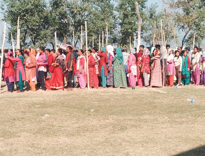 बाँके कोहलपुर वडा नम्बर ६ को निर्वाचन केन्द्रमा मतदान सम्पन्न