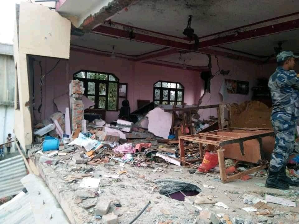 दाङको गड्वामा एक घरमा बम विष्पोट पछि घरधनी पक्राउ