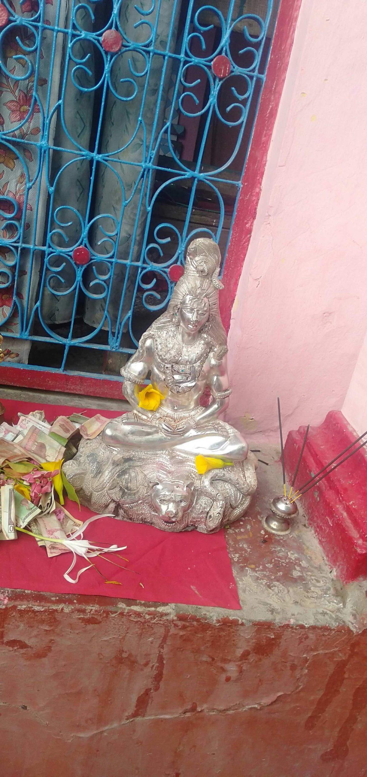 नेपालगन्जमा हजारौं बर्ष पुरानो शिबको चाँदी जस्तो मुर्ति भेटियो