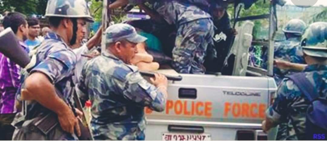 सशस्त्र प्रहरीले स्रोत नखुलेको २ लाख रुपैयाँसहित २ जना भारतीय पक्राउ