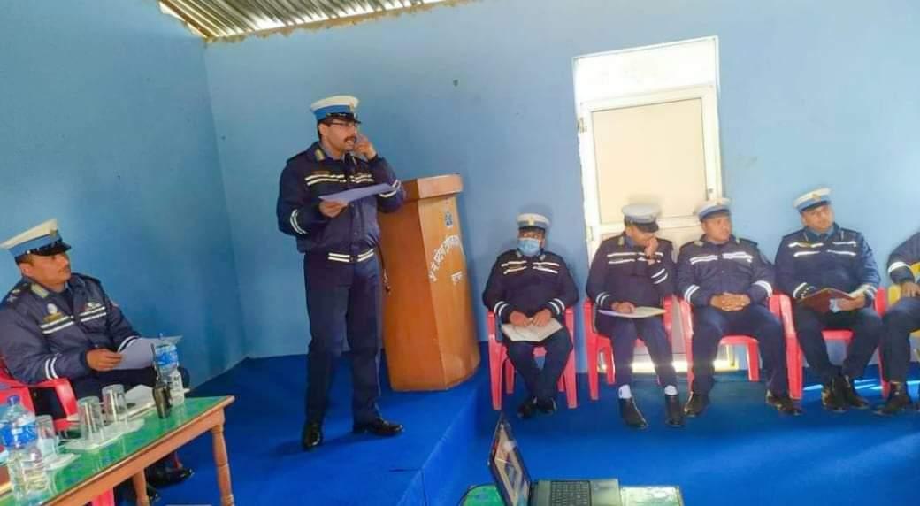 लुम्बिनी प्रदेश ट्राफिकको नयाँ अभियान टिप्परलाई टाईमकार्ड लागु