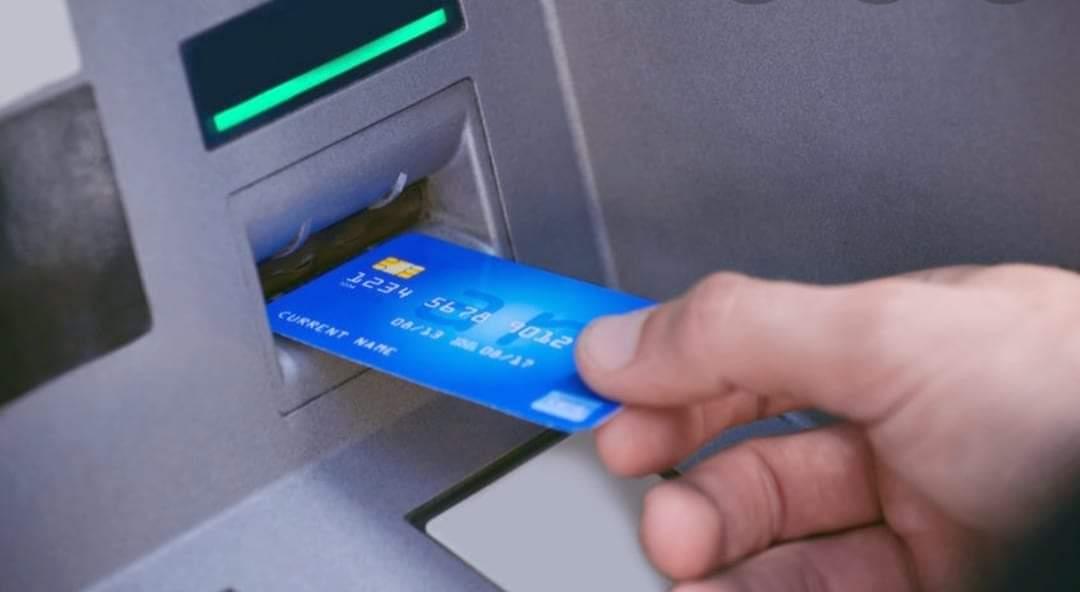 एक बैंकको एटिएम अर्को बुथमा प्रयोग गरे अबदेखि पैसा लाग्ने