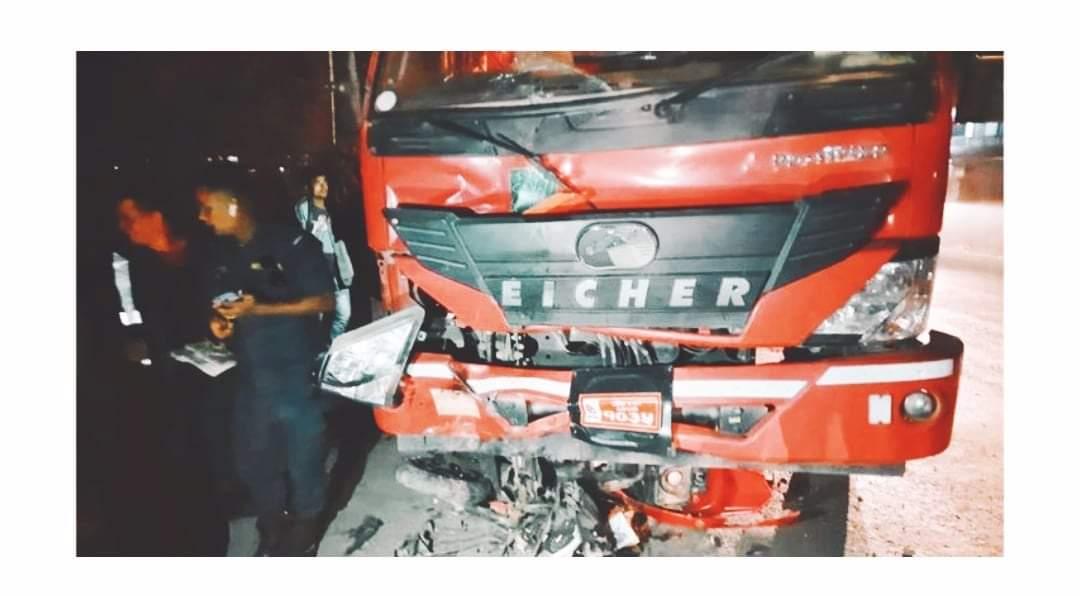 मोरङमा ट्रक र स्कुटर ठोकिँदा दुई जनाको मृत्यु