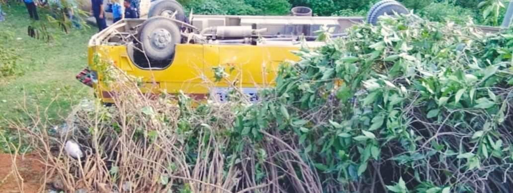 तुल्सीपुरमा बस दुर्घटना हुदा ४२ जना