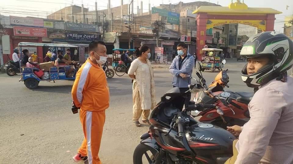 मास्क लगाउ अभियान लिएर बाँकेका सुरक्षा प्रमुखहरु सडकमा