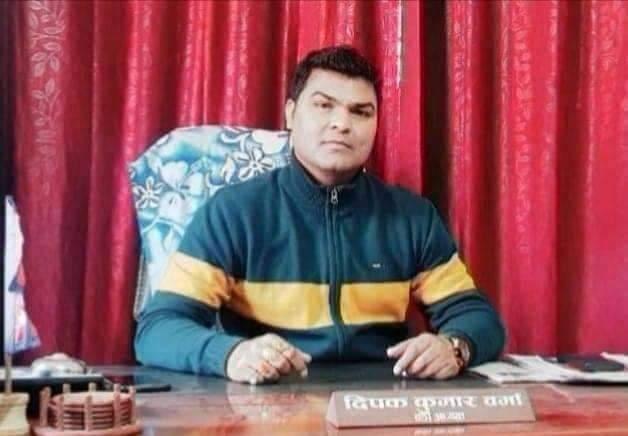 यी हुन समाचार लेखेकै भरमा १८ का वडाध्यक्ष वर्माद्वारा पत्रकार पाठकलाई धम्की दिने