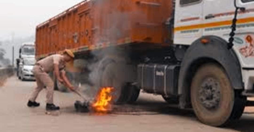 भारतमा माओवादीले ७ ट्रकमा आगजनी ५ जनाको हत्या