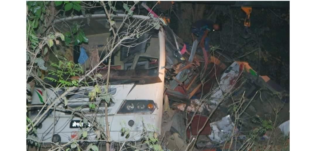 मुगुमा बस दुर्घटना २३ जनाको मृत्यु दर्जनौं गम्भीर घाइते